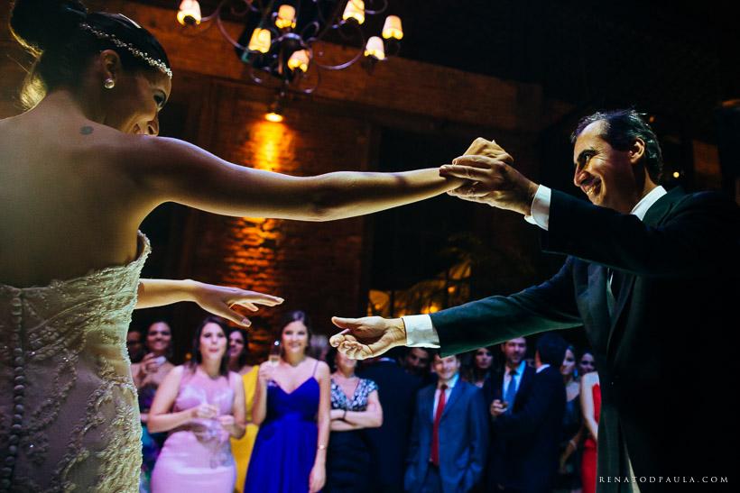 iluminacao de casamento pista de dança noivos primeira dança