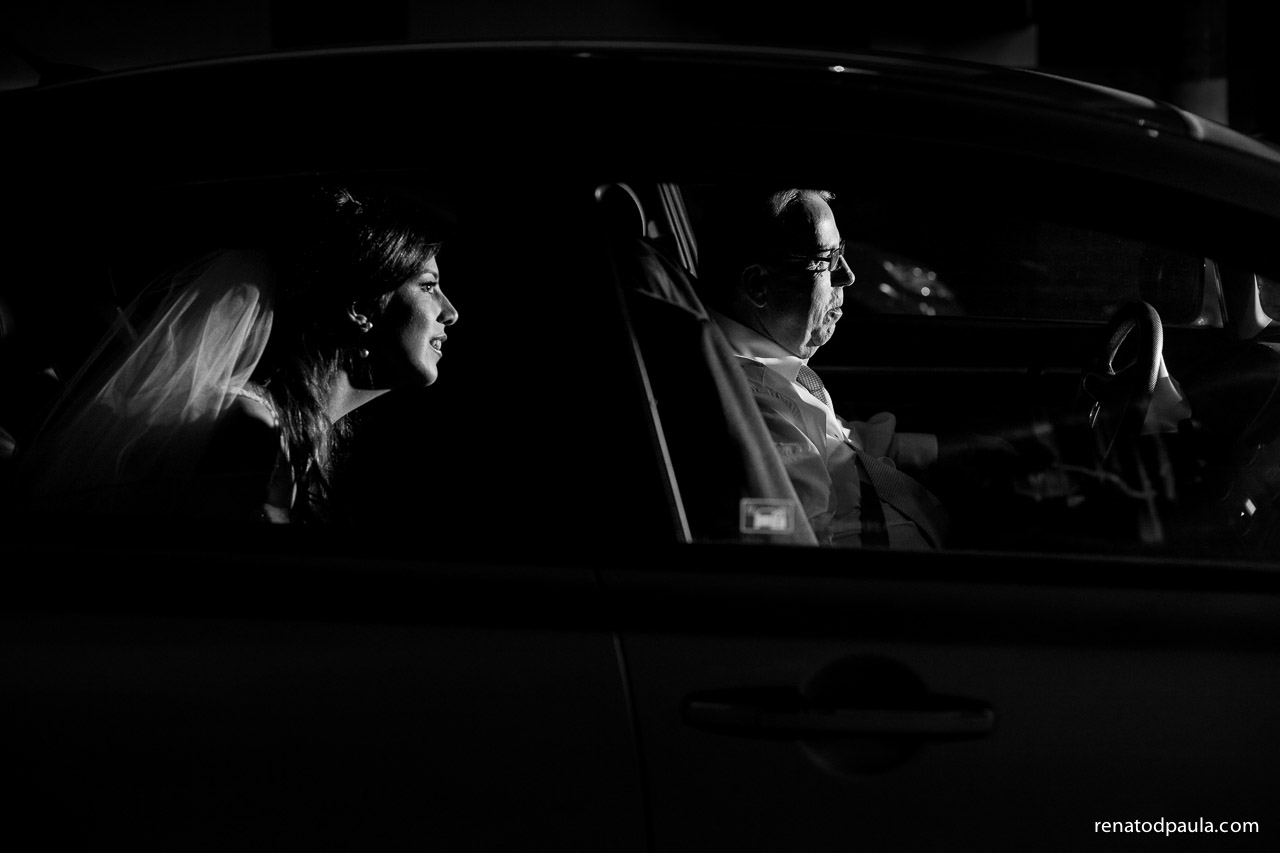 Noiva no carro