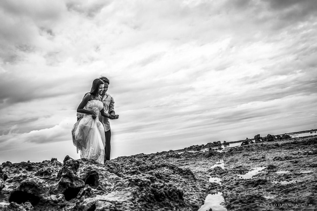 renato-dpaula-fotos-casamento-pre-wedding-trash-the-dress-praia-do-espelho-trancoso-13