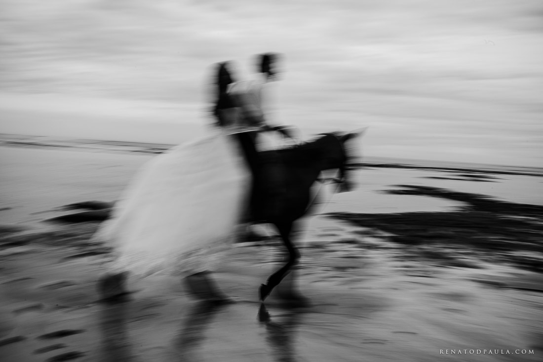 renato-dpaula-fotos-casamento-pre-wedding-trash-the-dress-praia-do-espelho-trancoso-3