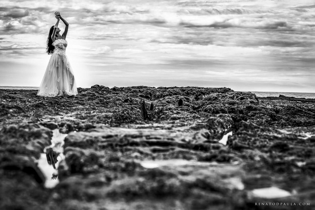 renato-dpaula-fotos-casamento-pre-wedding-trash-the-dress-praia-do-espelho-trancoso-6