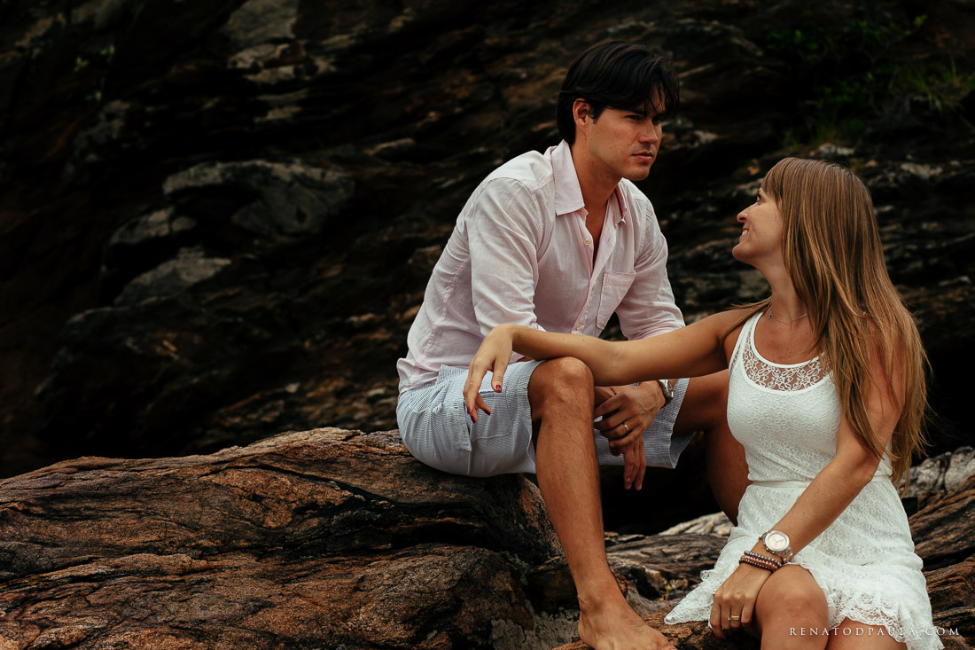 renato-dpaula-fotos-ensaio-casal-praia-noivos-esession-pre-wedding-11