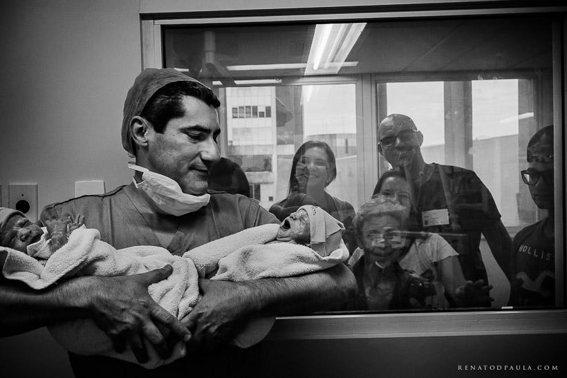 renatodpaula-fotografo-parto-de-gemeas-nascimento-albert-einstein-17