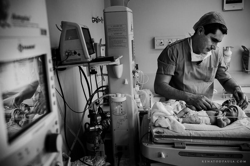 renatodpaula-fotografo-parto-de-gemeas-nascimento-albert-einstein-20