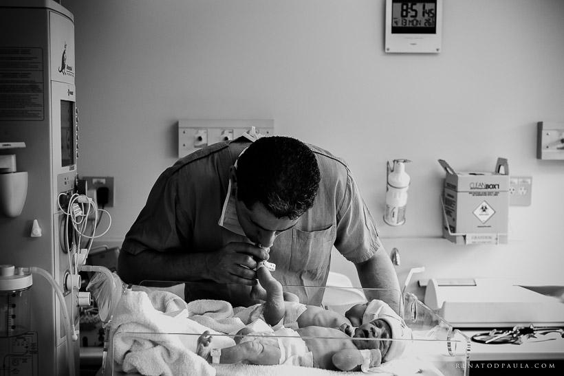 renatodpaula-fotografo-parto-de-gemeas-nascimento-albert-einstein-23