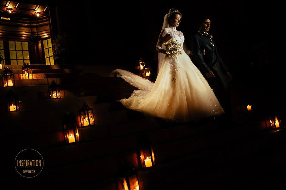 inspiration photographers noivos saindo da cerimonia foto premiada renato dpaula