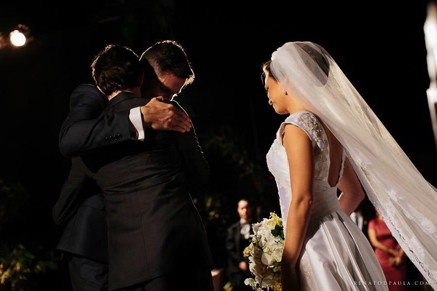 cumprimento do noivo no casamento