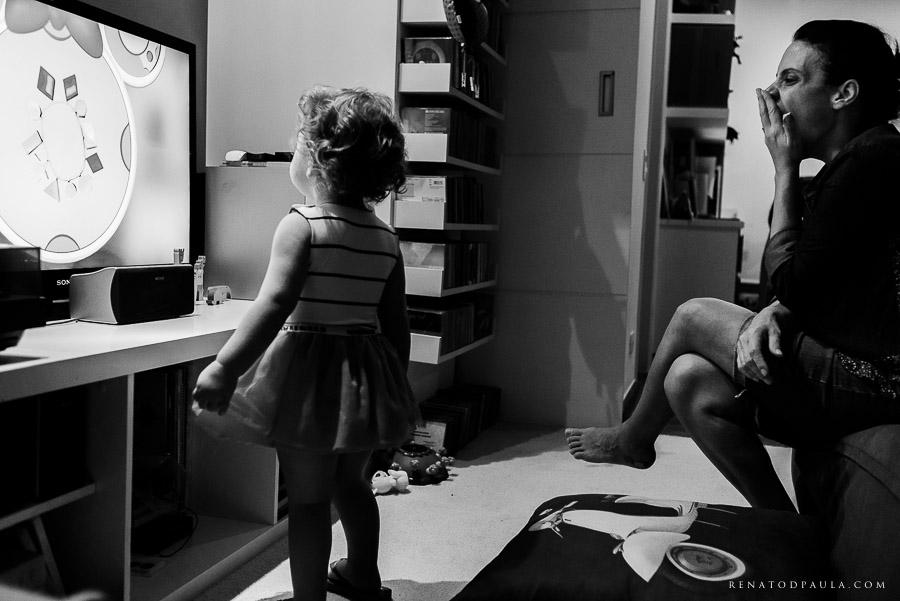 ensaio fotográfico de família da fotógrafa fernanda petelinkar foto documental um dia na vida lifestyle