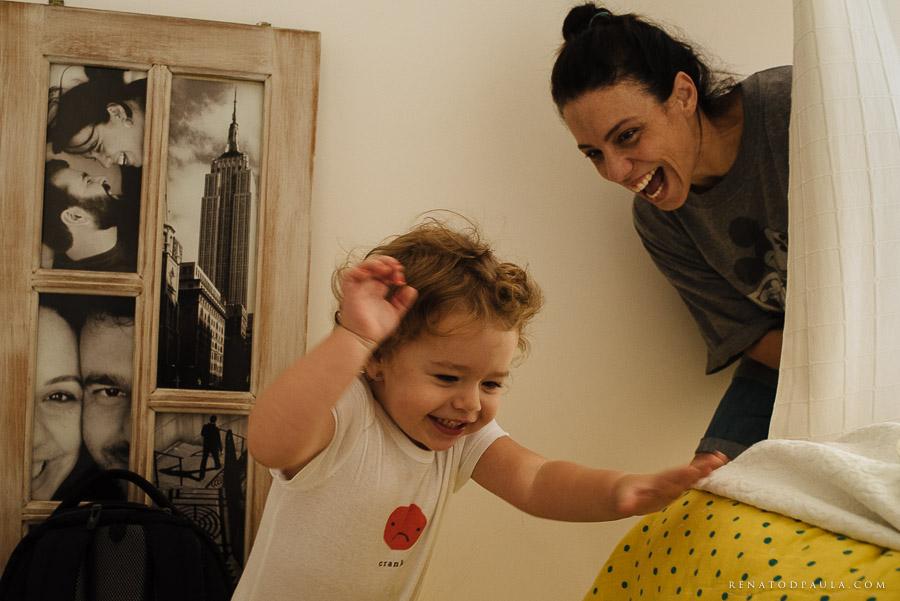 ensaio fotográfico de família lifestyle da fotógrafa fernanda petelinkar foto documental um dia na vida